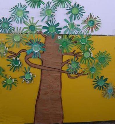 幼儿园环境布置:大树墙面