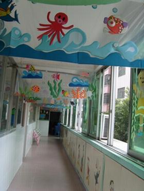 幼儿园走廊吊饰:千变万化的海底世界图片