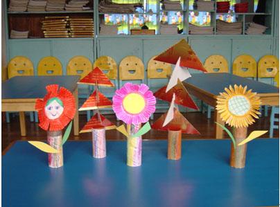 幼儿园中班美工教案:圣诞花园