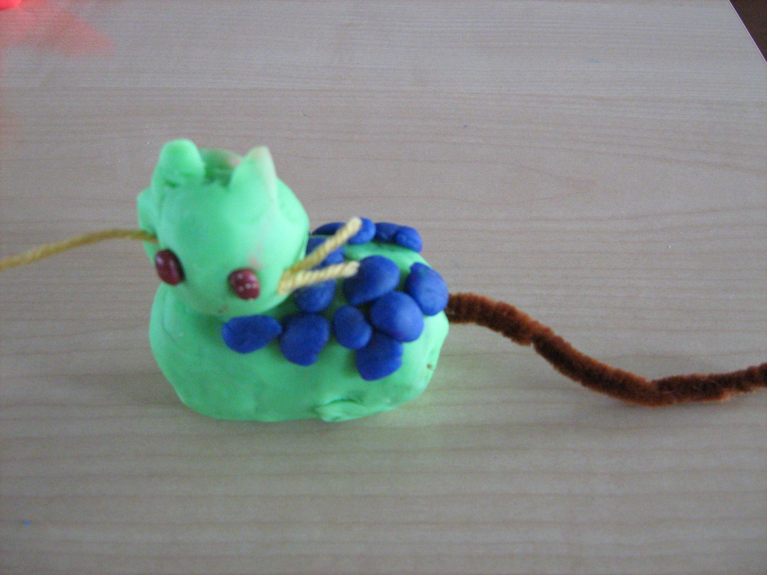 幼儿泥工作品图:小花猫