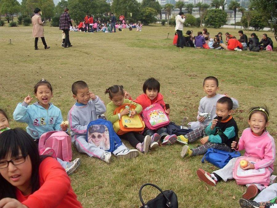 青幼儿园秋游活动