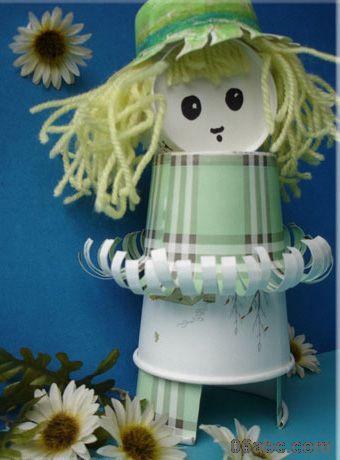 幼儿园手工制作可爱的纸杯娃娃
