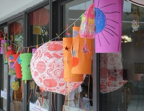 幼儿园吊饰图片:灯笼(中秋亲子活动)