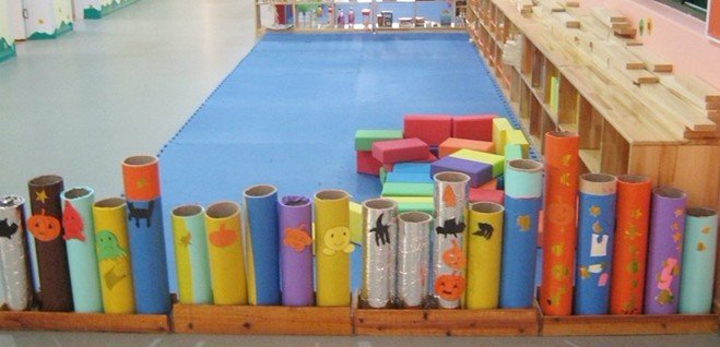 幼儿园建构区环境布置:楼道里的自由天空