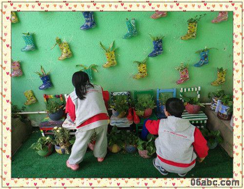 幼儿园手工墙面布置风车