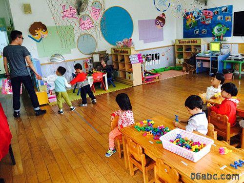 首南中心幼儿园托班安全教育活动