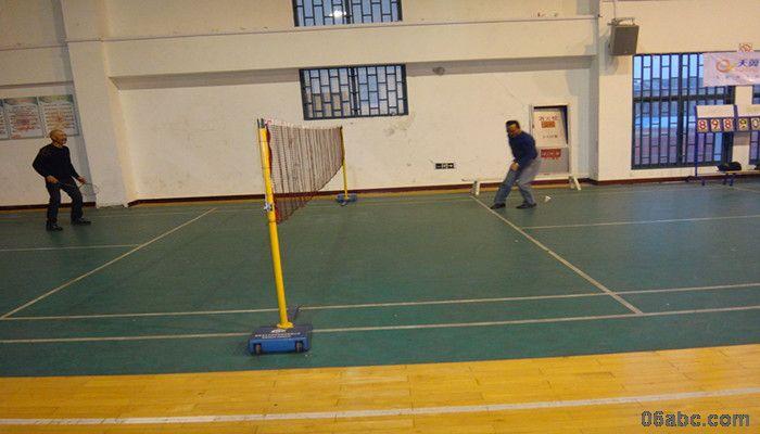 上张幼儿园举行教职工羽毛球比赛