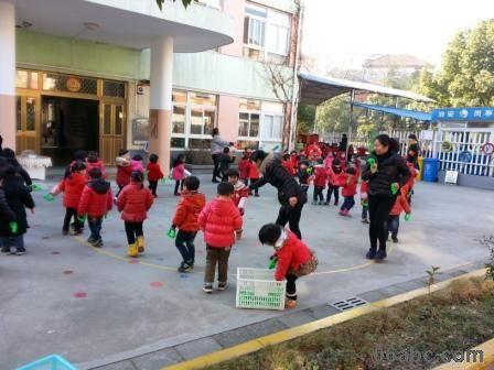 玲珑街道中心幼儿园开展小班幼儿早操比赛