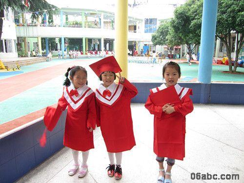 学士服记录我们的毕业季——浣纱幼儿园大班全体孩子的个性毕业照