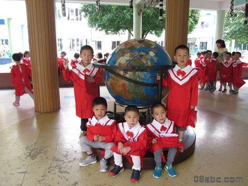 用火红的学士服记录我们的毕业季——浣纱幼儿园大班全体孩子的个性