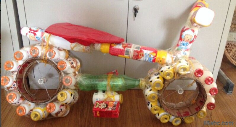 而教师自制教玩具则是幼儿教师的智慧和劳动的结晶
