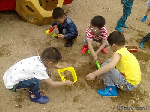 儿童玩沙造型图片