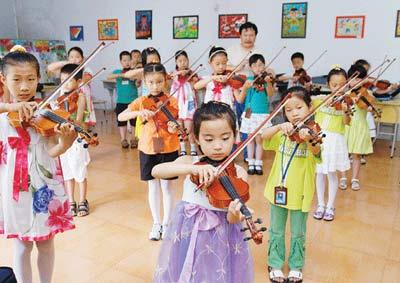 山东:幼儿园里书声琅 学龄前儿童减负难