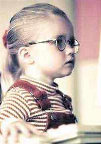 近视眼低龄化蔓延至六岁前 小眼镜多为电脑迷