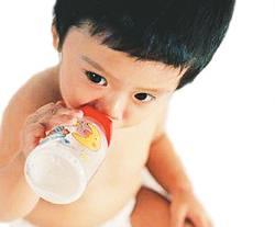 给孩子喝水有哪些讲究