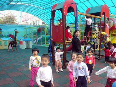 《预防传染病》  幼儿园大班音乐活动:玻璃瓶里的小老鼠  幼儿园暑假