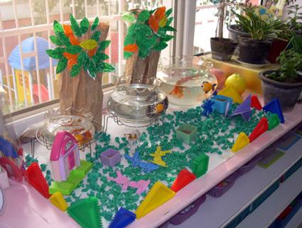 幼儿园亲子桥布置图片_幼儿园活动区布置:自然角4-- 分类导航 - 浙江学前教育网