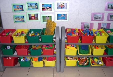 幼儿园环境布置: 活动区材料    (益智区材料)图片