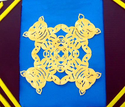幼儿园手工制作:纸工装饰画7