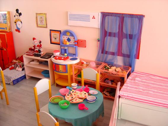 幼儿园活动区布置: 娃娃家