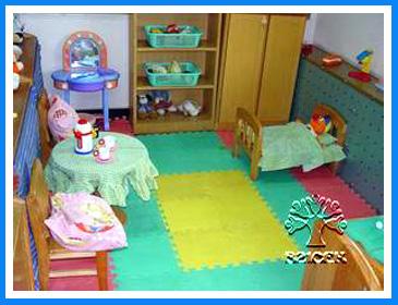 幼儿园活动区布置:娃娃家11