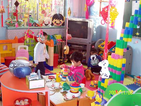 幼儿园环境布置:娃娃家13