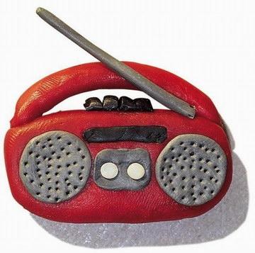 幼儿园手工制作:橡皮泥录音机