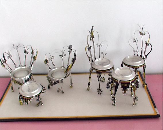 幼儿园手工制作:易拉罐椅子