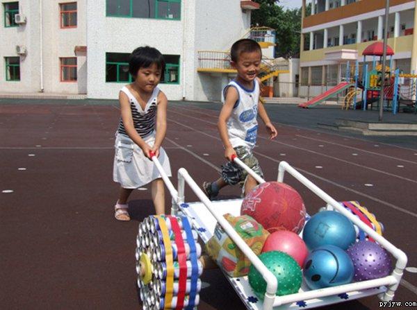 幼儿园自制玩教具:手推车
