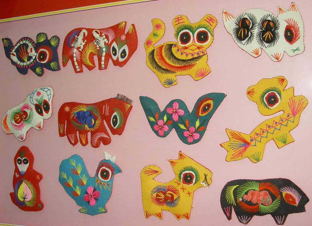 幼儿教师手工制作:十二生肖刺绣