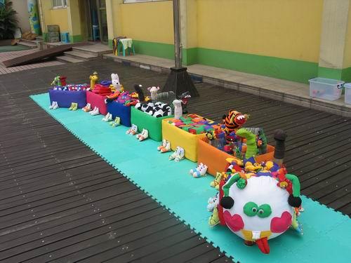 幼儿园自制玩教具:七彩动物列车