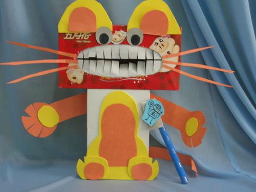 幼儿教师手工制作:小猫刷牙