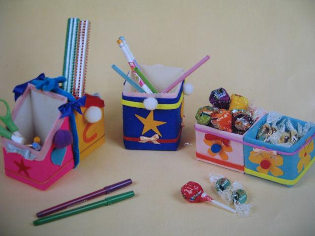 幼儿园手工制作:笔筒