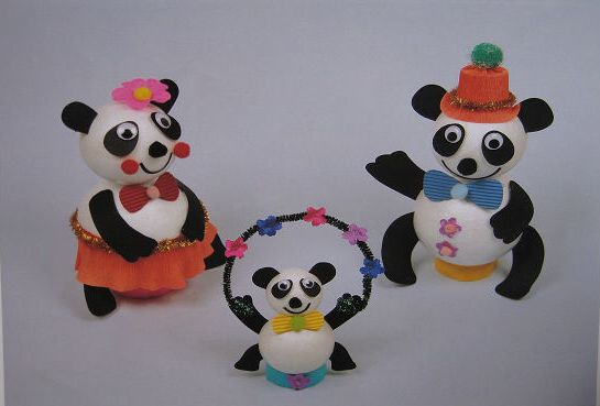 幼儿教师手工制作:熊猫演杂技