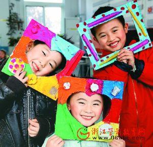 连云港:民生幼儿园里废弃物DIY