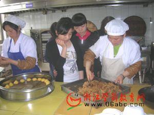 秀洲庆安幼儿园的食堂厨艺大赛很精彩