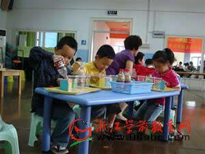 拱墅区教研展示日:优化幼儿园一日活动大家谈