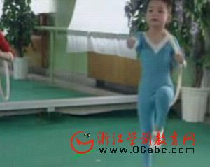 视频:幼儿器械操三套(小班 中班 大班)
