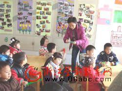 西湖区翠苑第二幼儿园:纸飞机带你飞